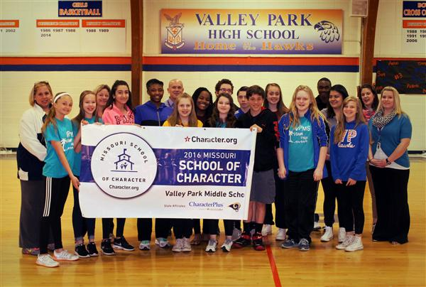 EdPlus Presents VPMS with State School of Character Banner